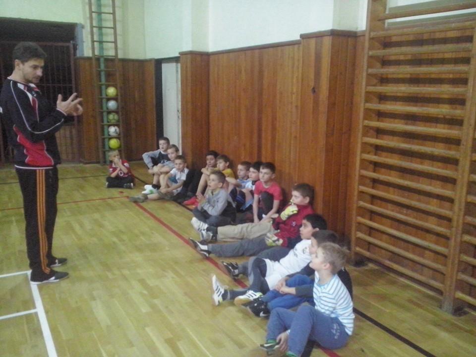 tréning ml. žiakov a prípravky v telocvični , február 2015